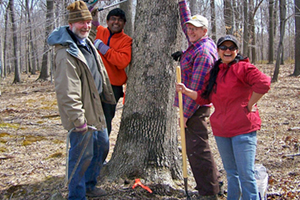 Hunterdon Land Trust volunteers at Zega Lockatong Preserve